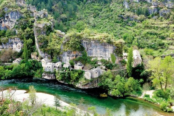 castelbouc, village des gorges du Tarn