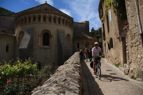 Arrivée a L'abbaye de Saint-Guilhem