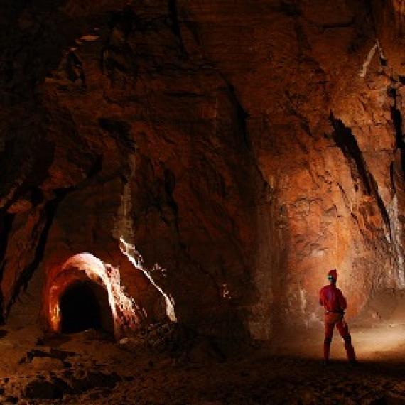 grottes et spélélogie